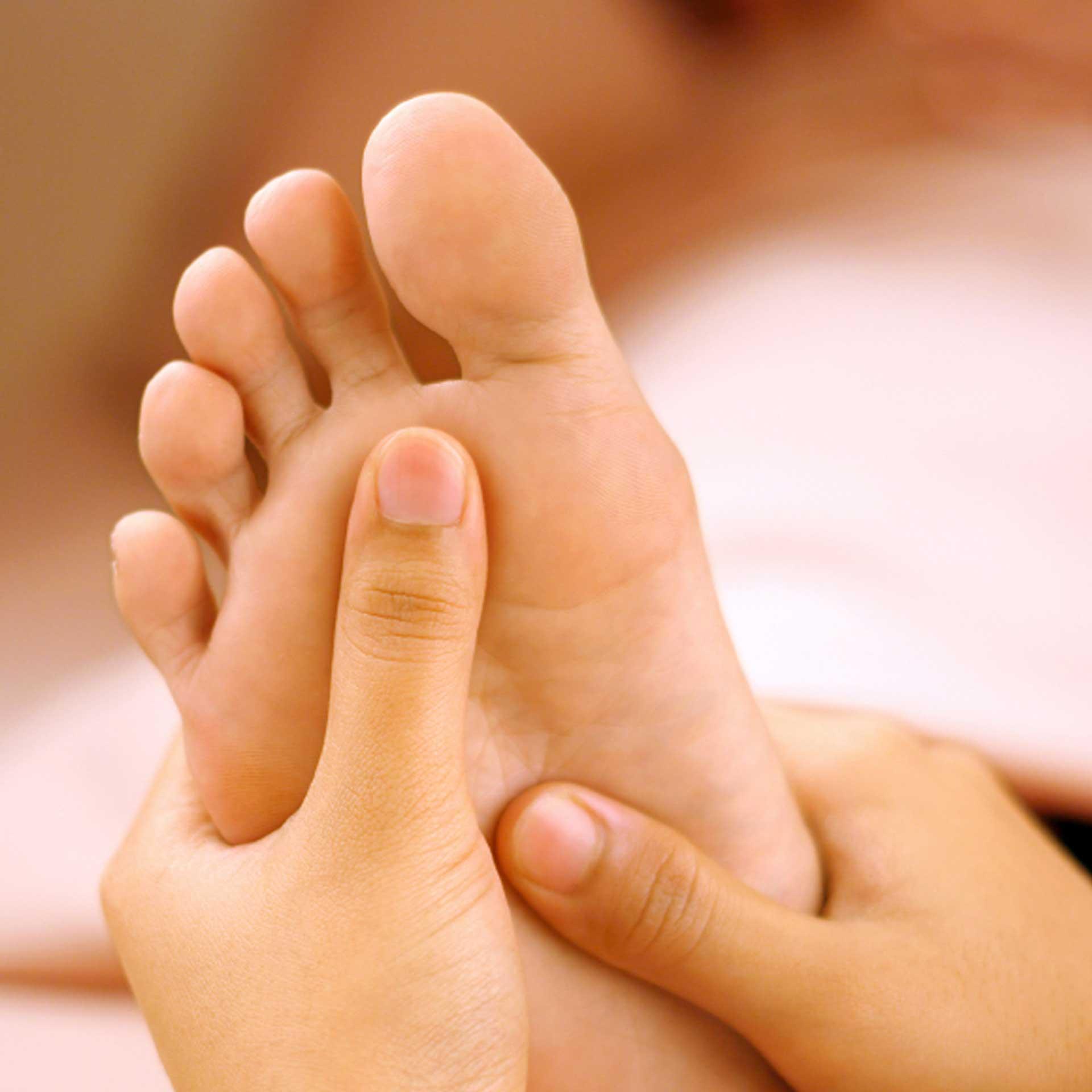 Как избавиться от болезненных натоптышей на ногах в домашних условиях